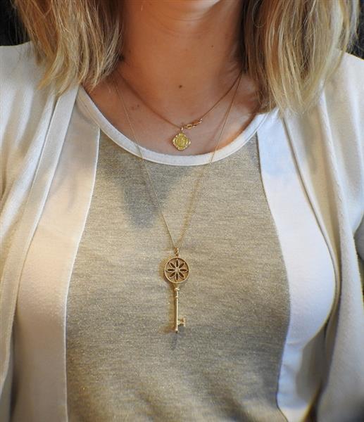 802d0783b Tiffany & Co. Daisy Key 18K Gold Diamond Pendant Necklace